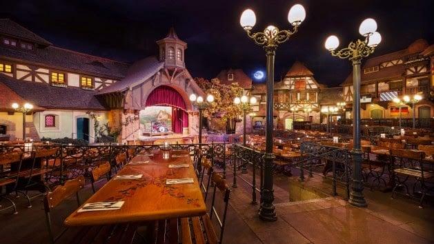 Restaurante Biegarten Natal na Disney