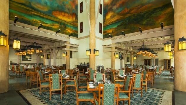 Interior do restaurante Artist Point na Disney em Orlando