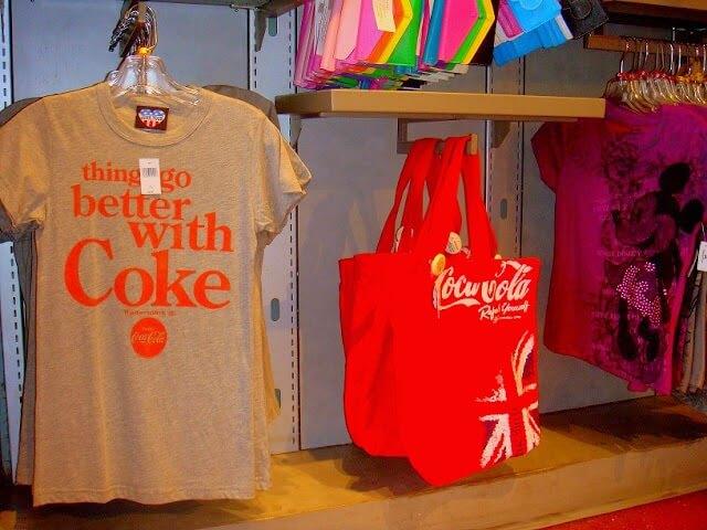 Camisetas e produtos Club Cool no Epcot em Orlando