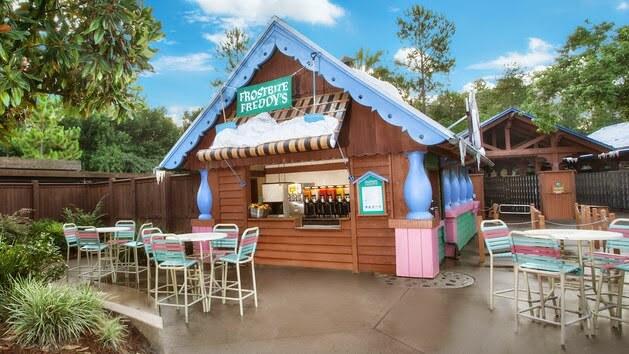 Frente da sorveteria Frostbite Freddy's Frozen no Disney blizzard Beach em Orlando
