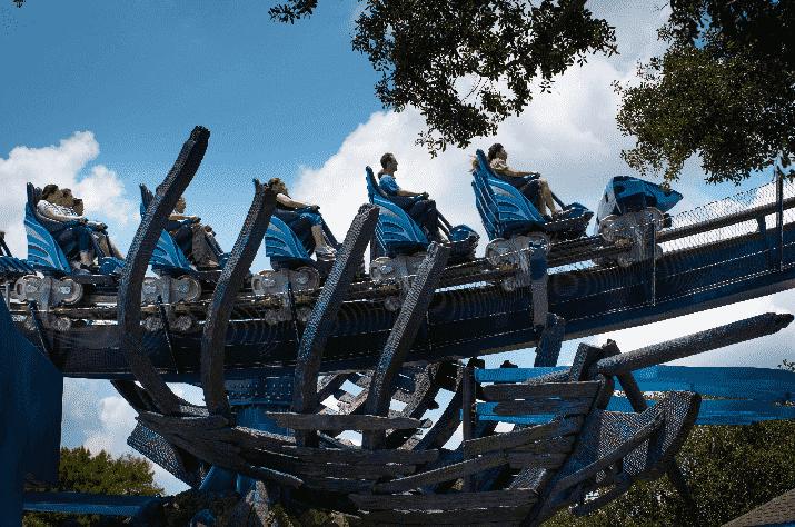 Montanha-russa Manta no Sea World em Orlando