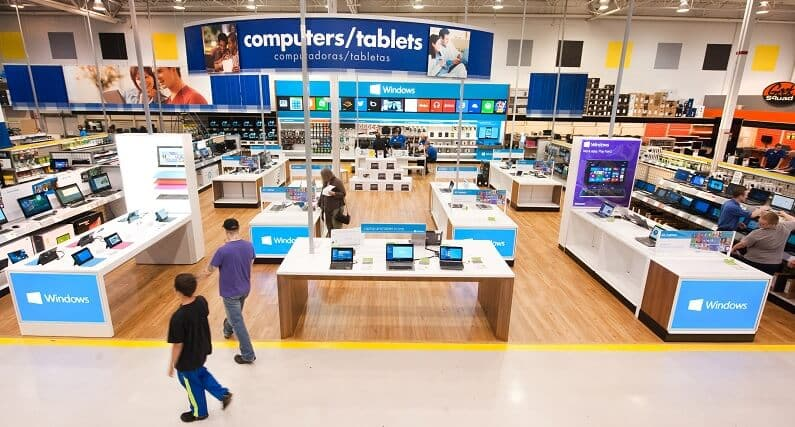 Onde comprar adaptadores e cabos USB em Orlando: Loja de eletrônicos Best Buy em Orlando