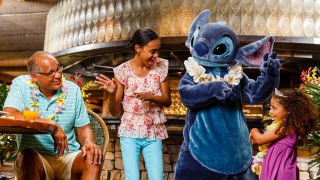 Jantar havaiano no Ohana da Disney em Orlando