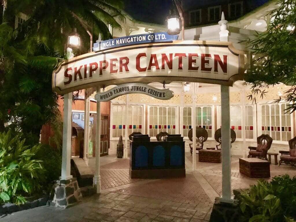 Fachada do Restaurante Jungle Skipper Canteen no Magic Kingdom