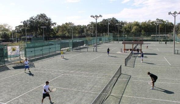 7 esportes e atividades ao ar livre em Orlando: Jogo de tênis em Orlando