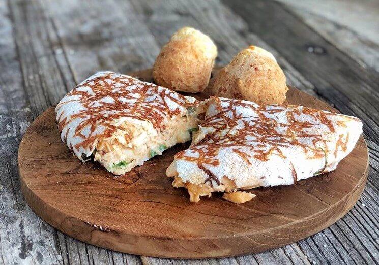 Tapioca e pães de queijo da padaria e doceria Sagrado Pastry em Miami