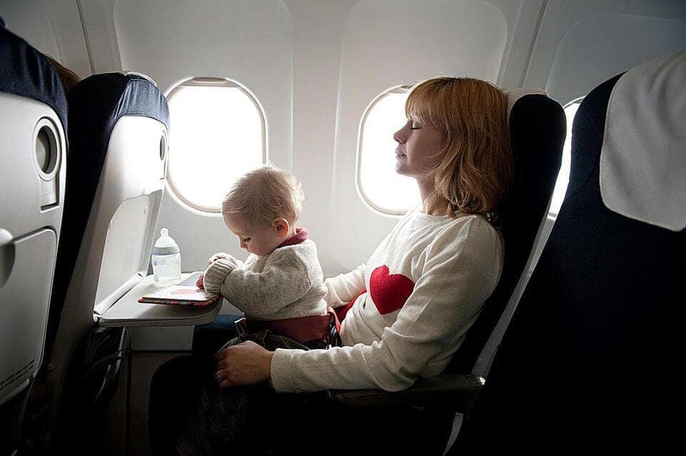 Dicas para mães em Miami: Preparações para o voo